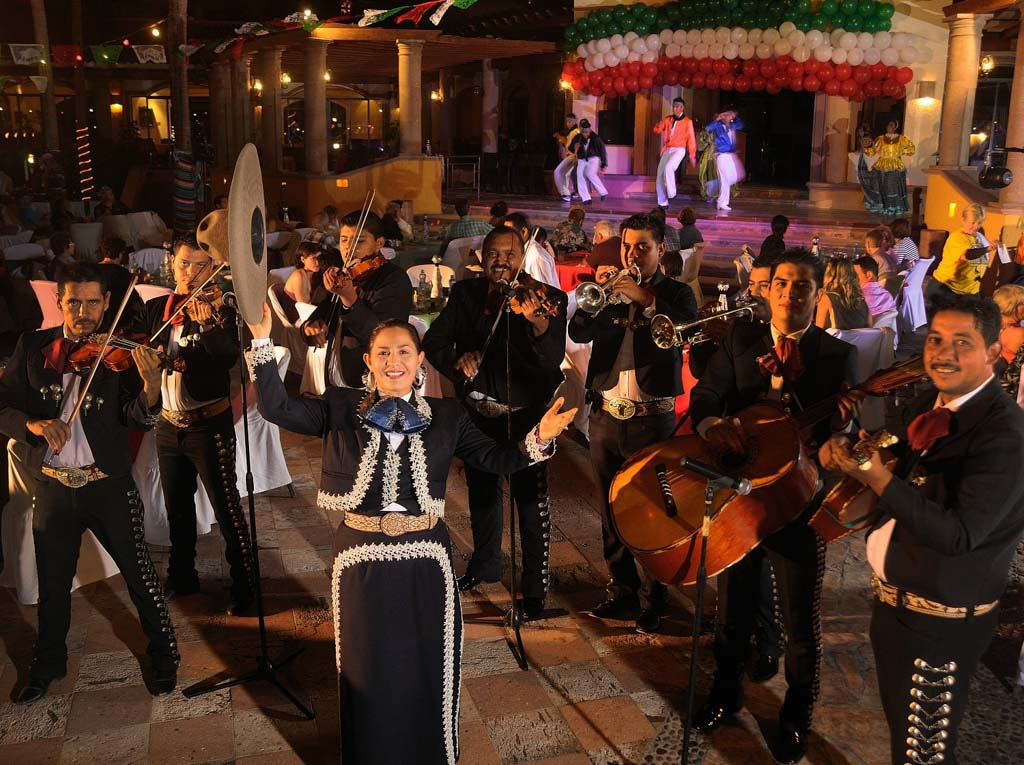 Playa Grande Resort & Grand Spa   Live Entertainment